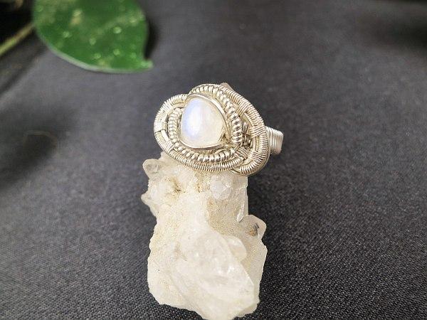 Moonstone-ring Silverring Semipreciousstonejewelry