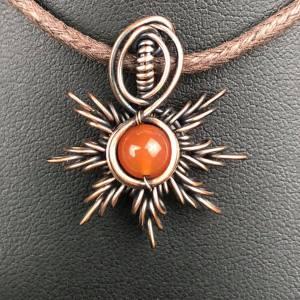 Karneol-Sonnenanhänger2 Sonnenschmuck SunayLaLuna