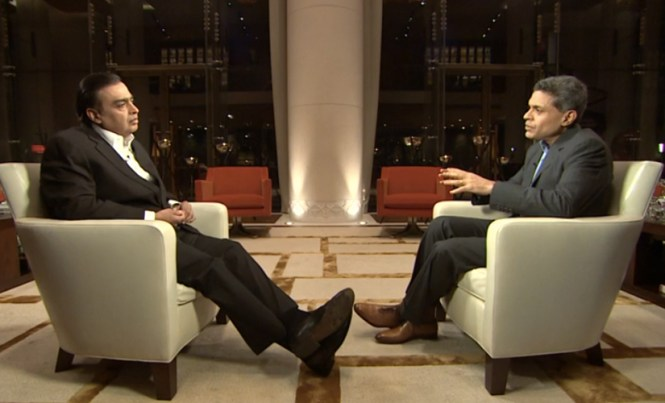 Mukesh Ambani in conversation with Fareed Zakaria (Pic courtesy: http://www.firstpost.com)