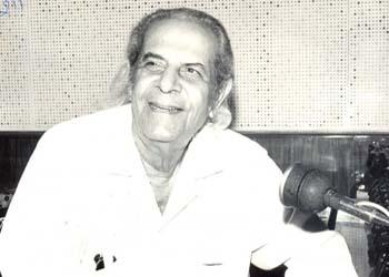 Pandit Narendra Sharma (Pic courtesy: www.hindilyrics.com)