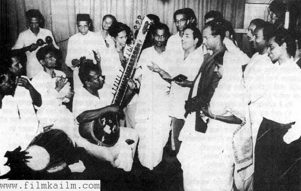 Recording a song for Usne Kaha Tha. Pic shows Salil da, Mohammad Rafi, Bimal Roy and Shailendra