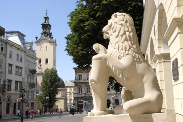 lviv_Rynok_Square