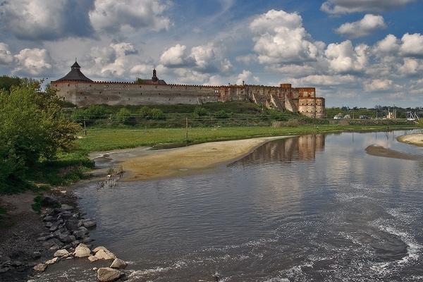 medjibizh-castle