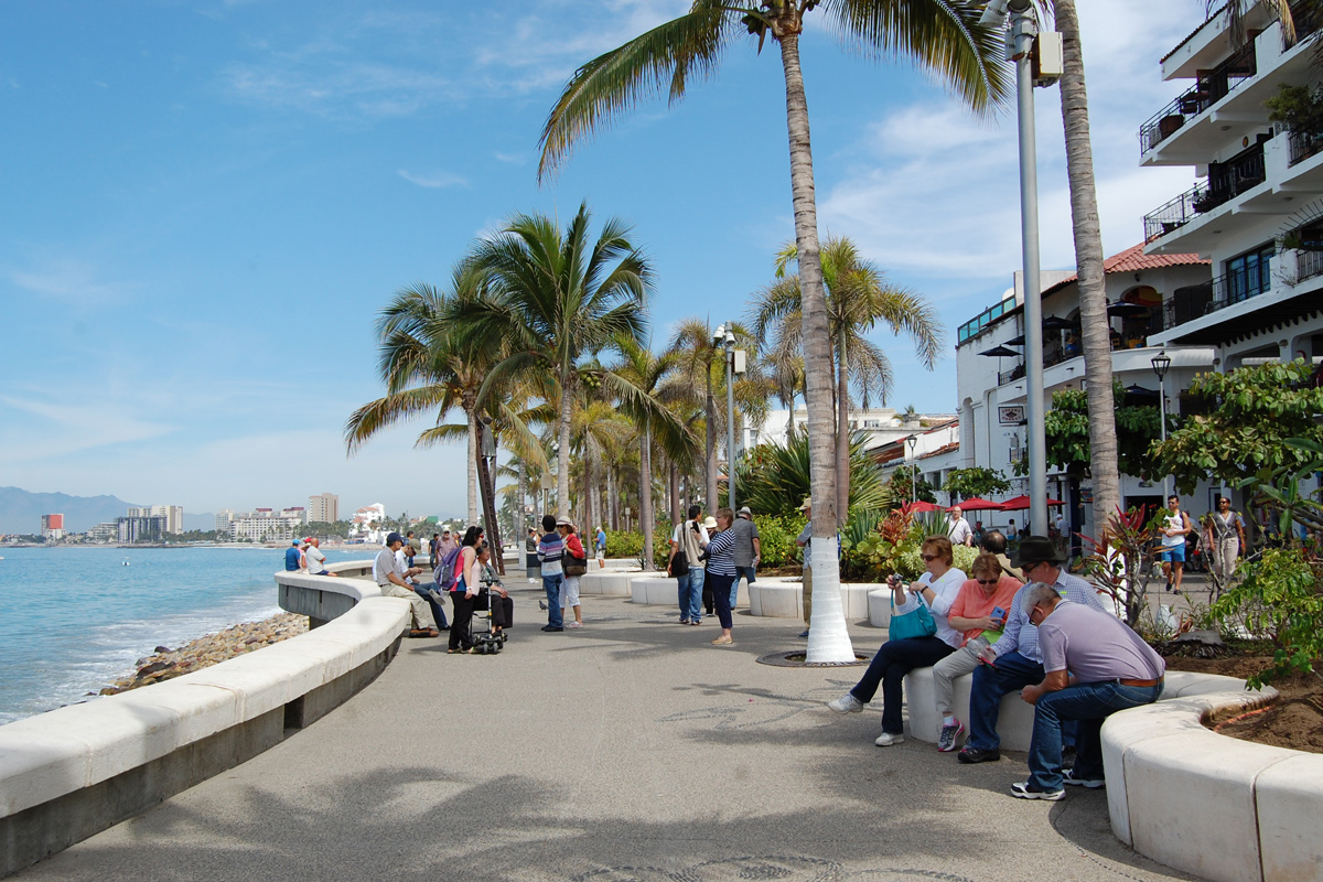 The 5 Best Things About the Malecon in Puerto Vallarta