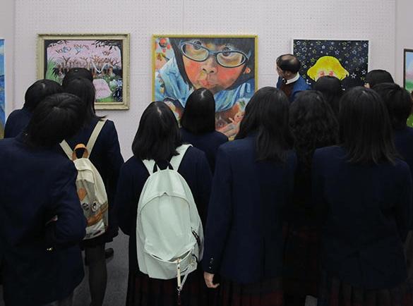 高校芸術文化祭の見学へ行きました