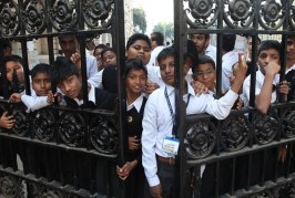 সোমবার থেকে পশ্চিমবঙ্গে সব শিক্ষা প্রতিষ্ঠান বন্ধ ঘোষণা