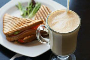 Espresso House skärper djurskyddskrav vid inköp av kyckling