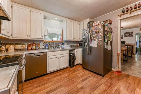527 W Pine Ave-10