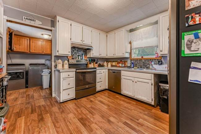 527 W Pine Ave-11