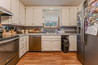 527 W Pine Ave-13
