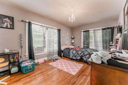 527 W Pine Ave-20