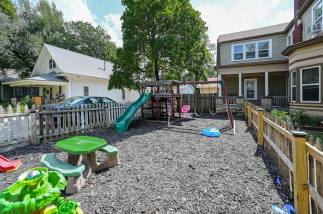 527 W Pine Ave-25
