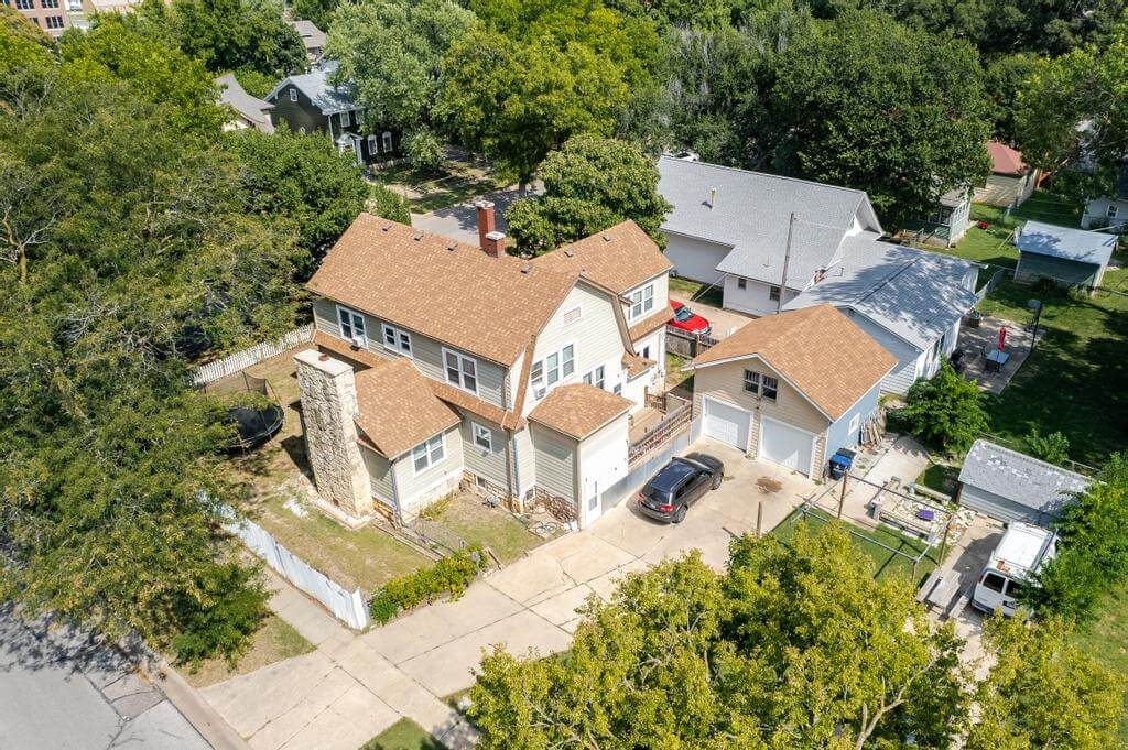 527 W Pine Ave-34