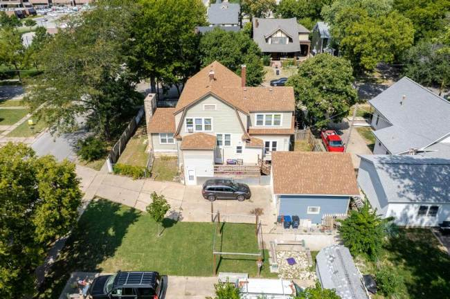 527 W Pine Ave-35