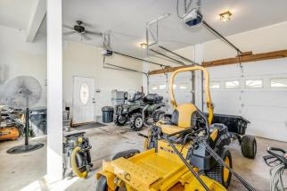 8422 SE 25 St Murdock KS 67111-large-046-030-Garage Interior-1500x1000-72dpi