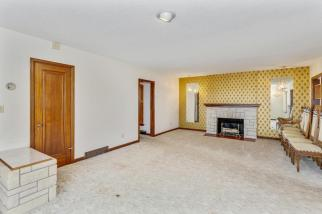 9451 S Woodlawn Blvd Derby KS-large-008-014-Living Room-1500x1000-72dpi
