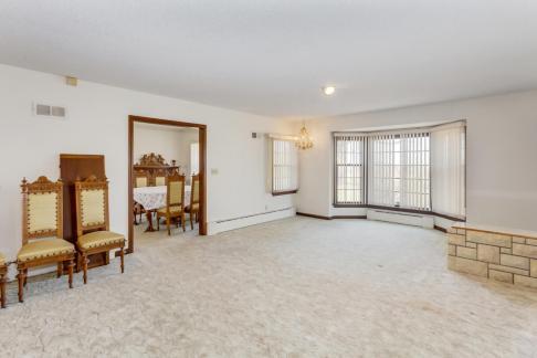 9451 S Woodlawn Blvd Derby KS-large-010-016-Living Room-1500x1000-72dpi