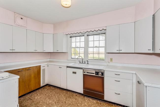 9451 S Woodlawn Blvd Derby KS-large-020-035-Kitchen-1500x1000-72dpi