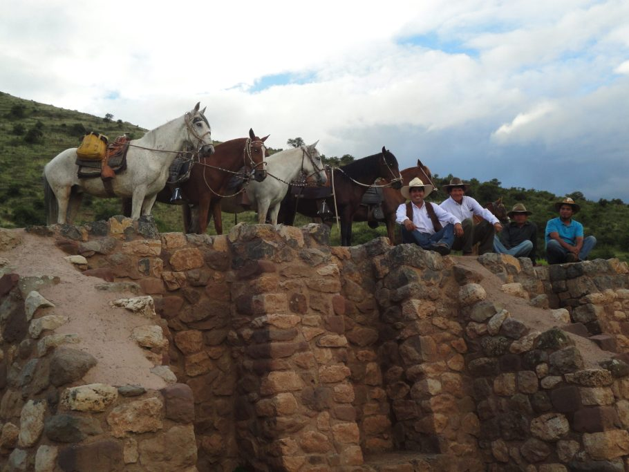 horseback trip to inca raccay3