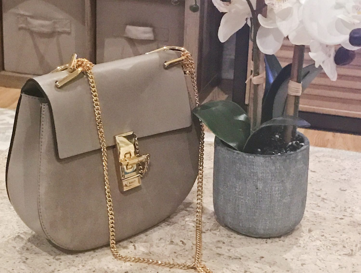 74663b8f Chloë Small Drew Bag Review & 6 Month Wear and Tear | Sun Kissed Violet