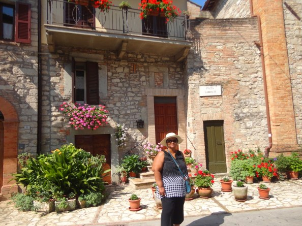 mom making herself at home in a small italian villa