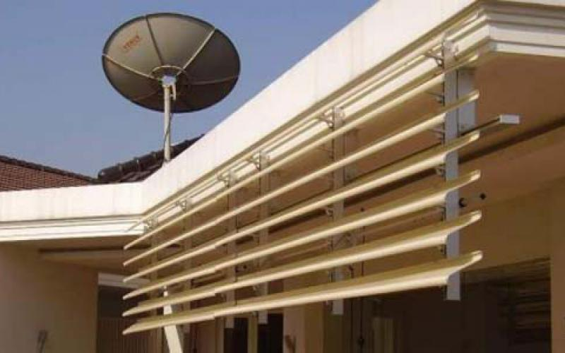 Vertikal Sun Shading Canopy Aluminium SunLouvre