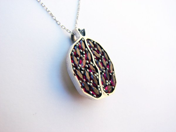 Necklace Juicy Pomegranate Sterling Silver 925 with Garnets