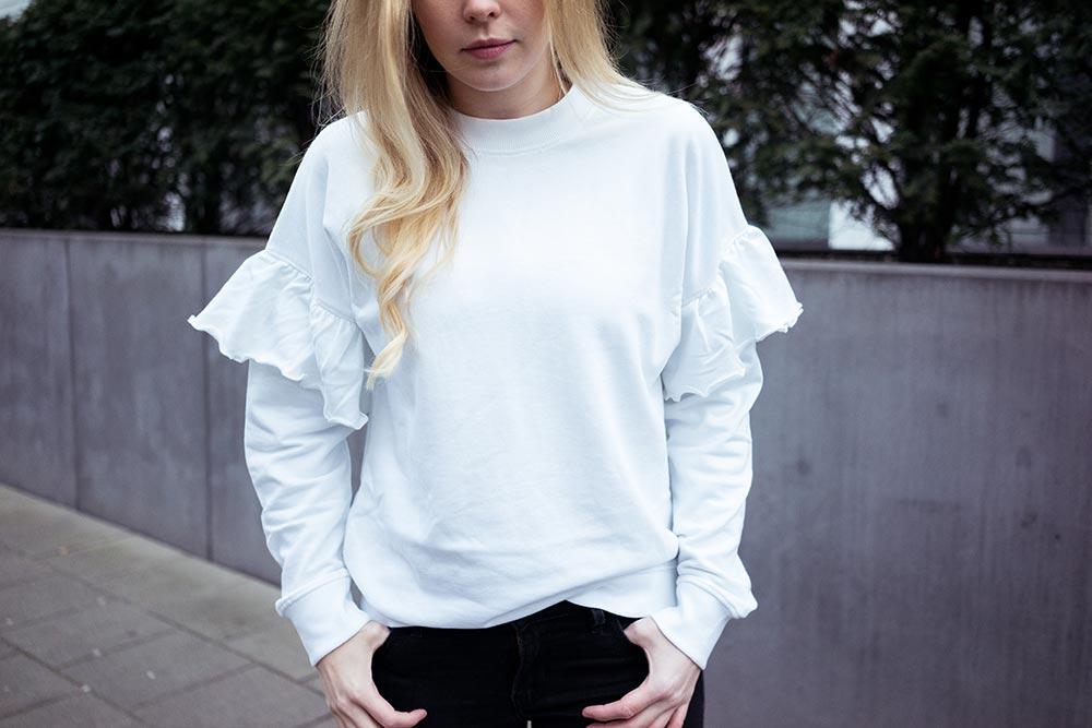 statement-sweater
