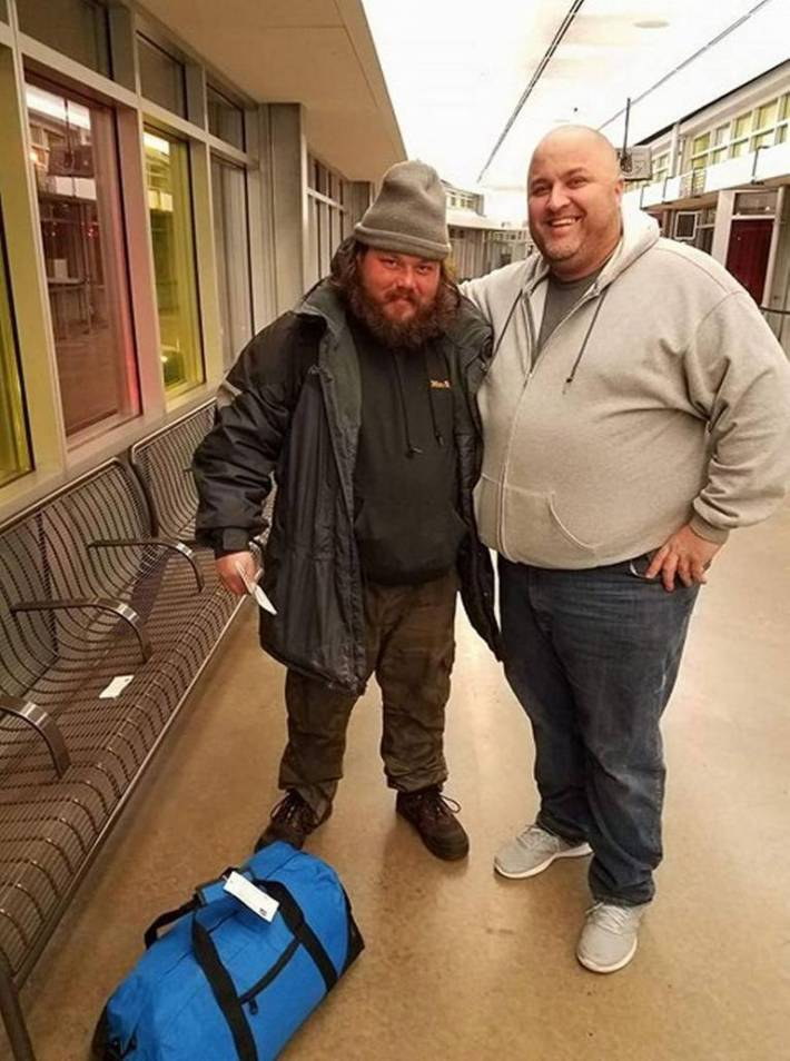 community helps homeless man sends him to NYC