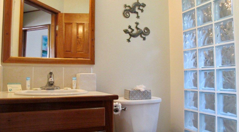 Sapphire Beach 2A Bathroom