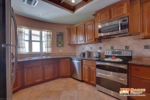 grand caribe b7 kitchen (5)