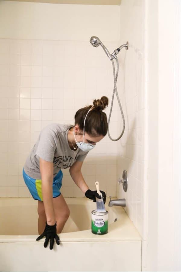 Can You Spray Paint Bathroom Fixtures