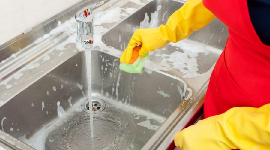 how to clean kitchen sink stainless