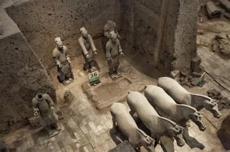 terracotta savaşçı ve atları -10