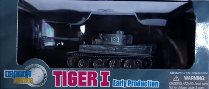 Tiger I Early production 1 sPzAbt 503 Russia 1943 Dragon Armor 60097