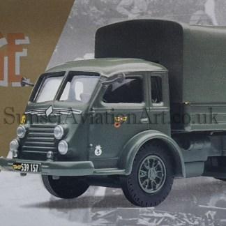 71003 Corgi RENAULT Faineant Militaire Bache