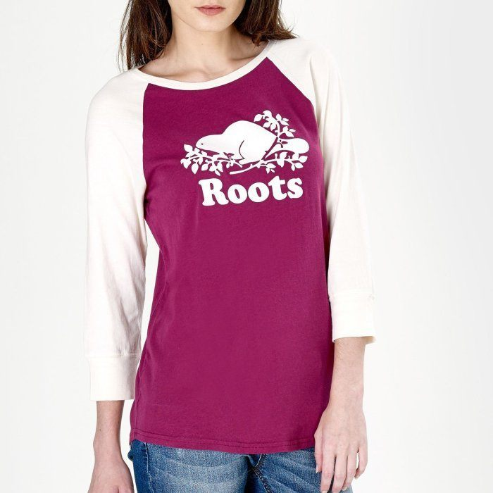 """Don't """"Root"""" For a Team Photo (C) Roots Canada"""
