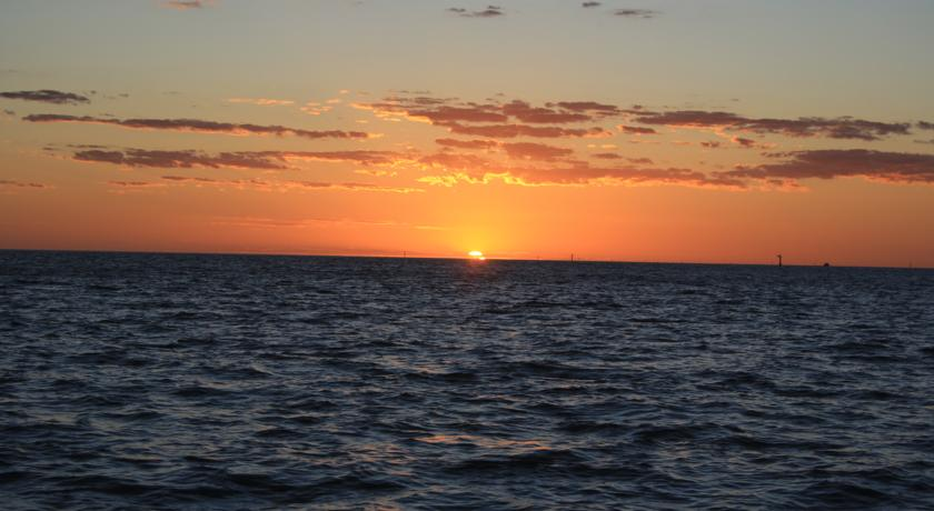 Karumba Point Sunset Caravan Park Holidays Accommodation Hotel Fishing