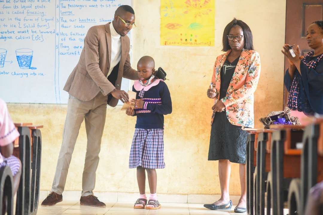 Ondo: 'Young Hearts Alive Foundation' settles school bills of indigent pupils