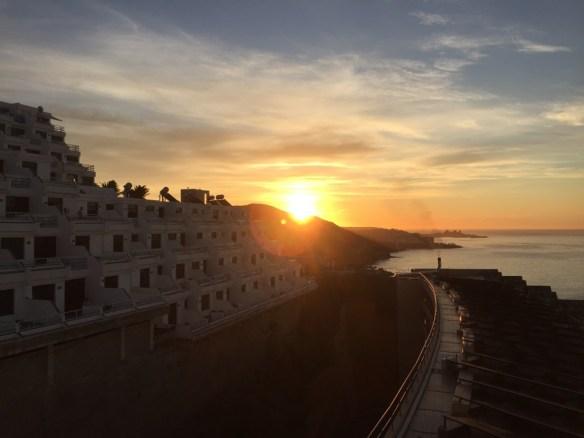 Soluppgång får ersätta solnedgång i havet