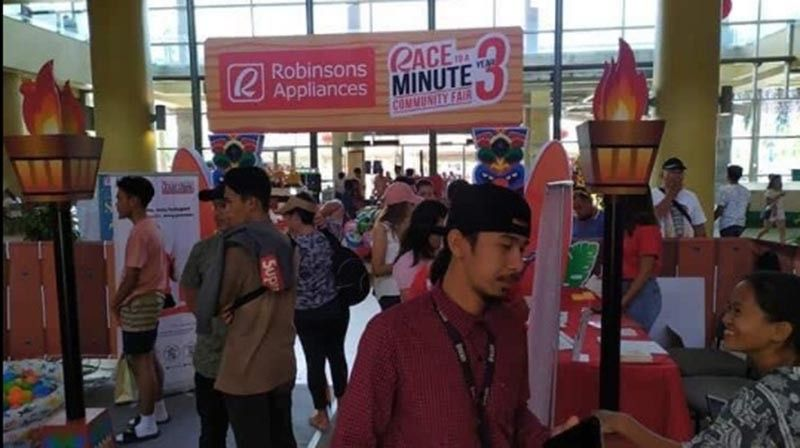 The 60 second Robinsons Appliances event goes to Palawan
