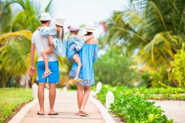 how to avoid bed bugs on vacation