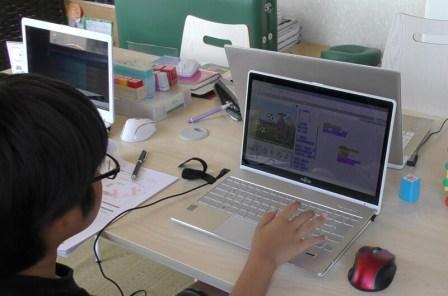 香川県高松市こどもITプログラミング教室サンステップ大人顔負け!プログラミング教室に通学6回目の小学生6年生が作ったゲームのすごいところ20170617_001