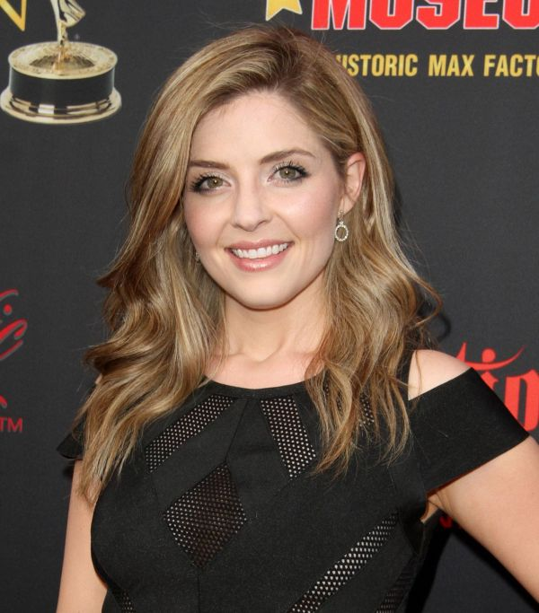 Jen Lilley Hot New HD Spicy Navel In Bikini Photos Galleries