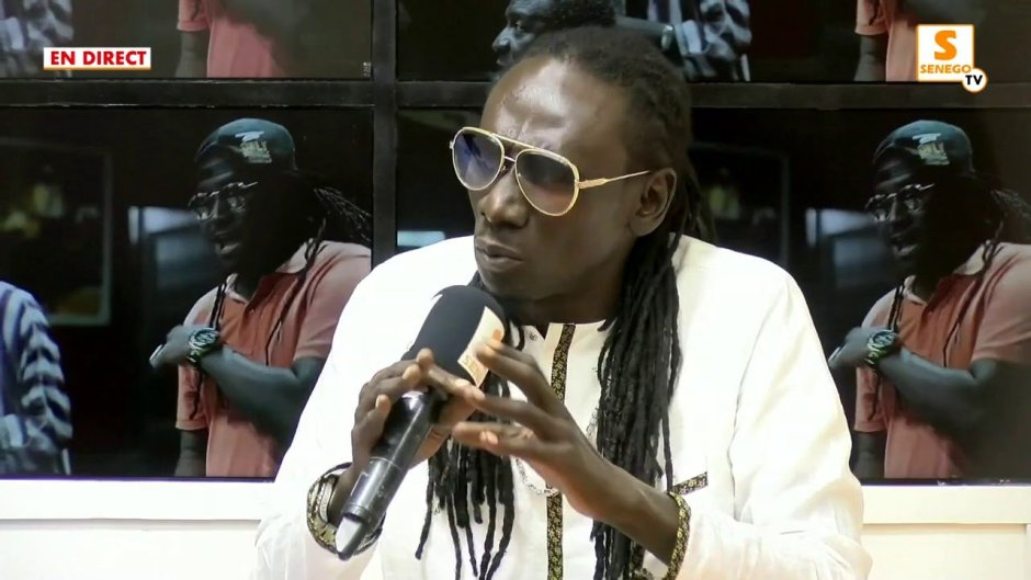 "Duggy Tee aux politiciens : ""Na ñu hamni Lu Tëg Tas, Lu Tak Fay, Lu Dundu Dé…"" (Senego-TV)ParCheikh Tidiane Kandé 26/12/2020 à 9:25"