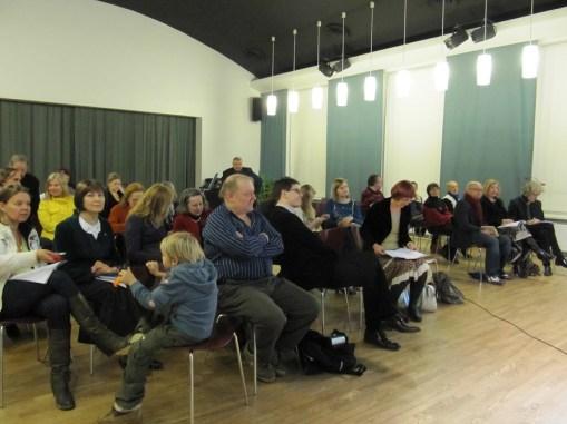 Suomen PEN Tallinnassa 23.11.2011. Yleisöä