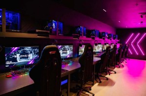 Vindex laittaa 300 miljoonaa dollaria eSports pelihuoneisiin