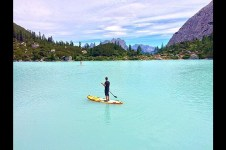 STAND UP PADDLE IN LAKE SORAPIS