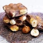 「チョコレートがニキビの原因になる」は科学的に根拠が無い