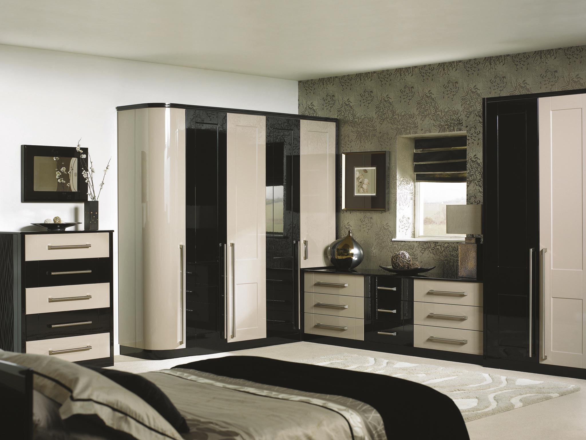 Bespoke bedrooms traditional modern supafit bedrooms for Cream and black bedroom designs